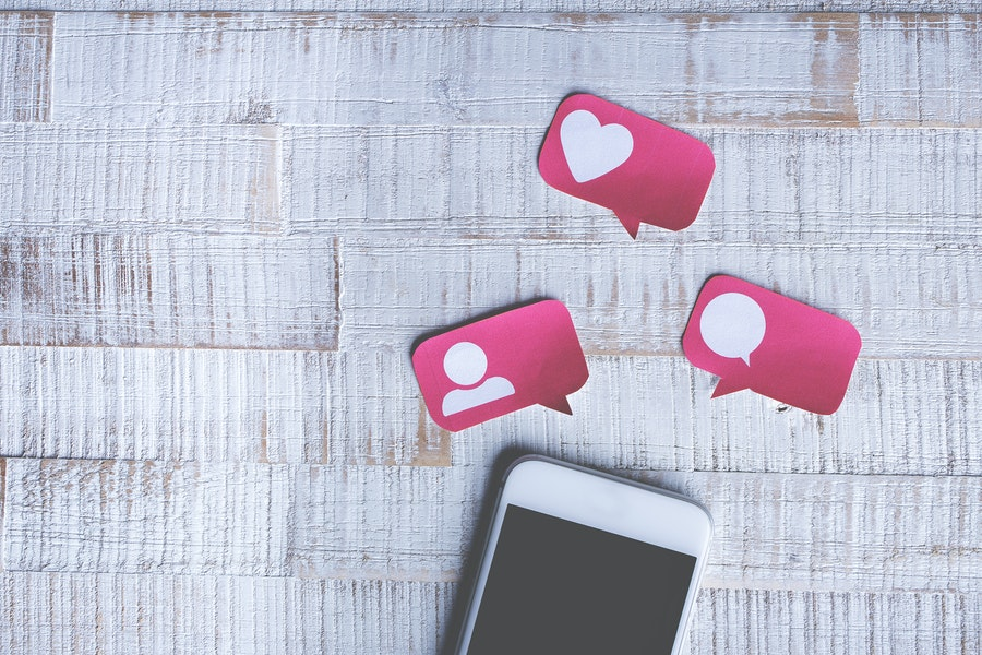 Everything That Goes Wrong With The Perks Of Social Media